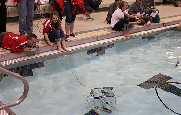 High school students at the Tsunami Bowl ROV Challenge piloting their ROV. Picture by Ryan Johnson, PWS RCAC